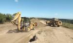 Prefeitura recupera estrada que dá acesso a Torrinhas