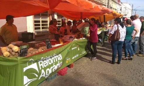 Feira da Reforma Agrária recebe equipamentos