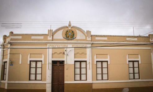 Entra em vigor decreto que prevê contenção de despesas na Prefeitura de Pinheiro Machado